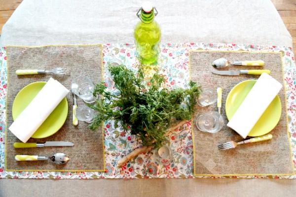 diy une table en liberty pleine de fra cheur pour l 39 t. Black Bedroom Furniture Sets. Home Design Ideas